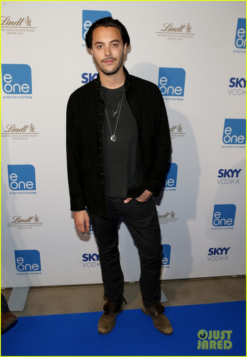 taylor kitsch keanu reeves variety entertainment one party 142949362