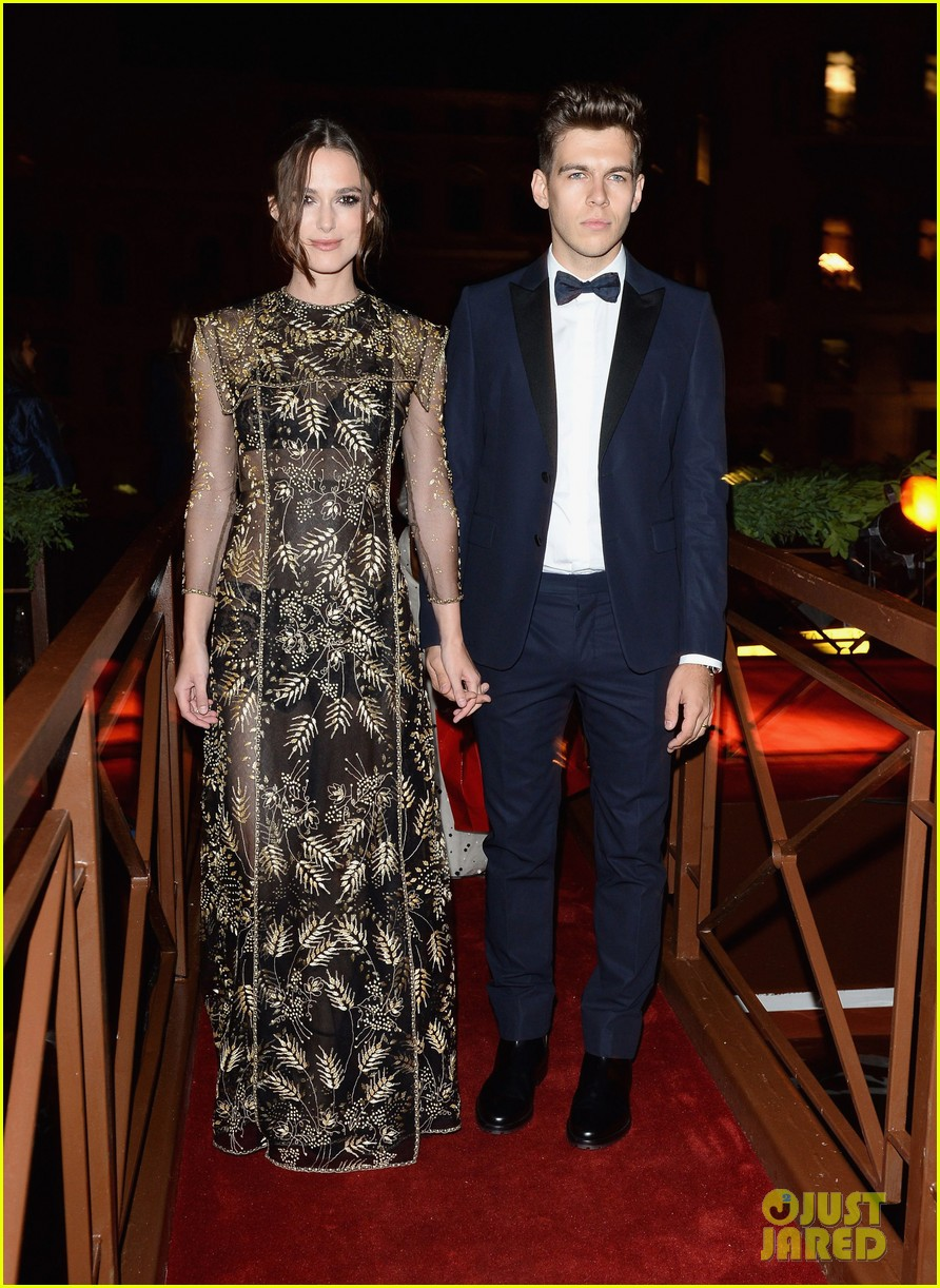 keira knightley james righton valentino ball in venice 012945575