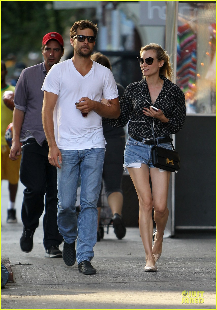 diane kruger joshua jackson hook arms for nyc stroll 01