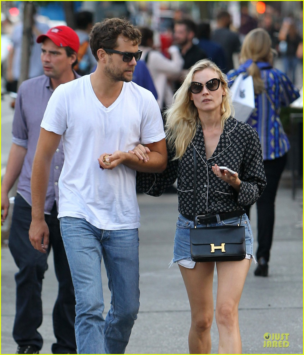 diane kruger joshua jackson hook arms for nyc stroll 042956882