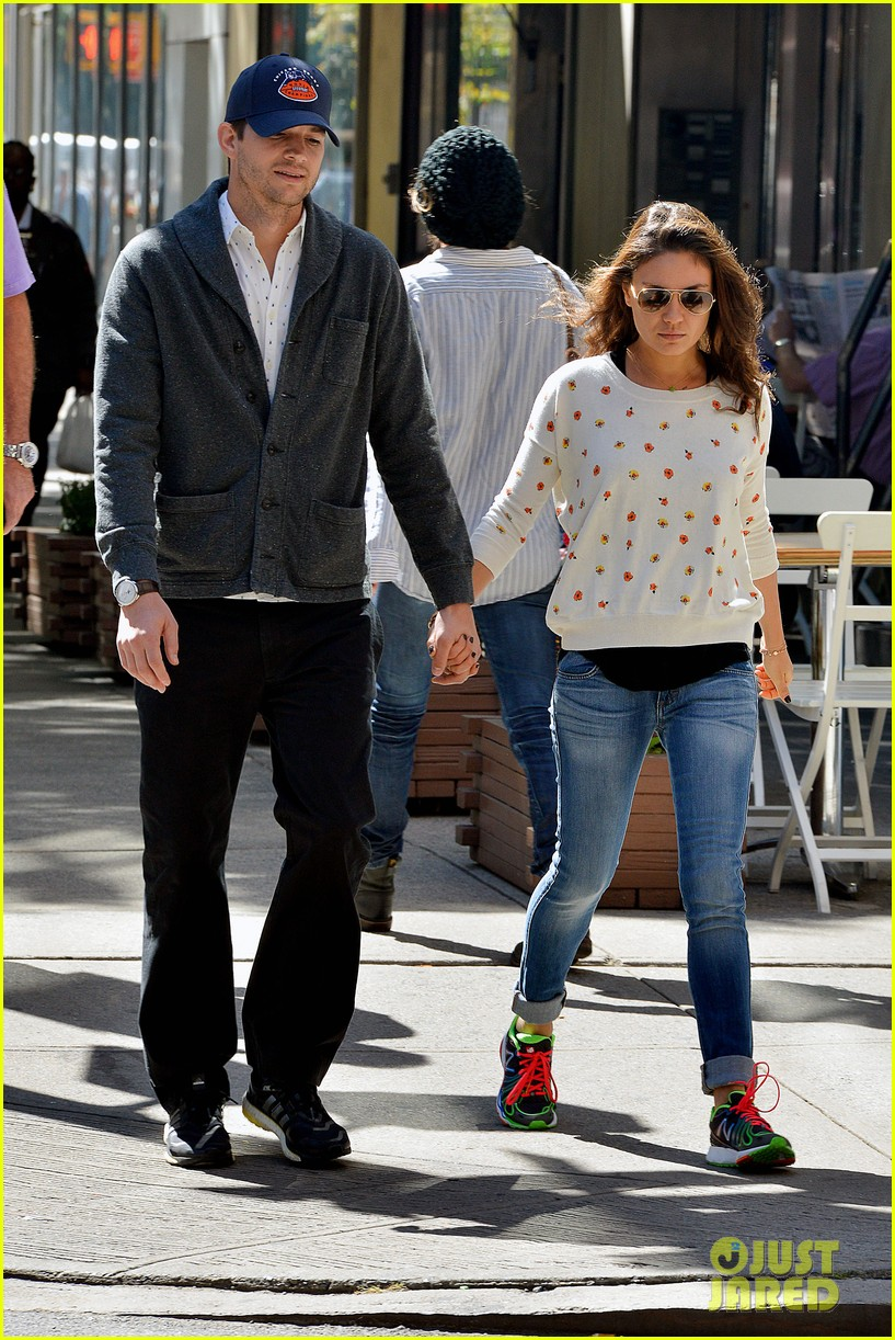 ashton kutcher mila kunis hold hands in the big apple 012955469