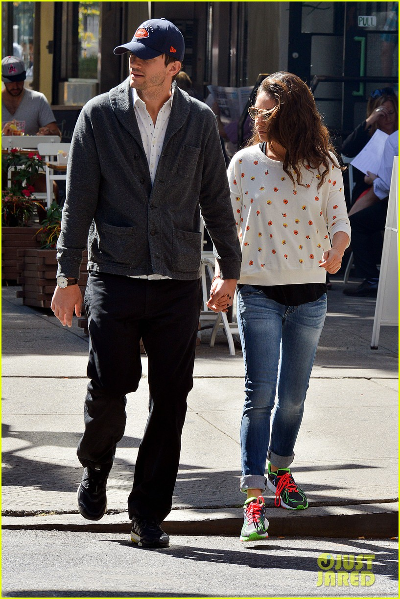 ashton kutcher mila kunis hold hands in the big apple 072955475
