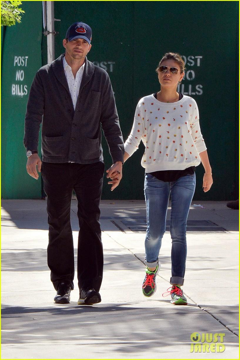 ashton kutcher mila kunis hold hands in the big apple 112955479