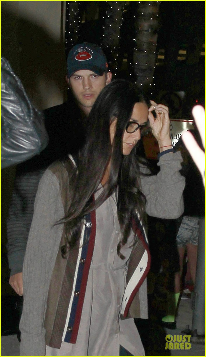 ashton kutcher demi moore reunite for tech conference 022949867