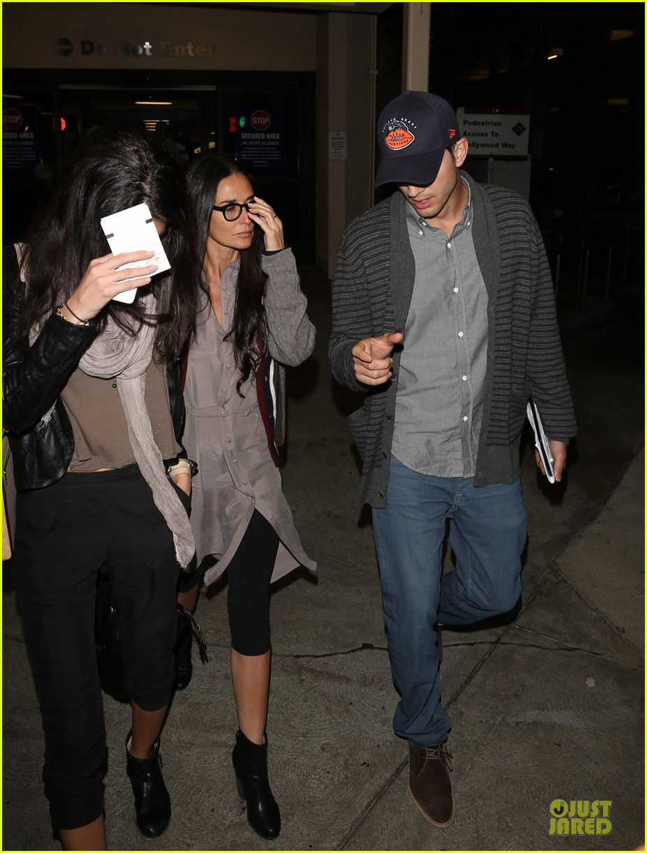 ashton kutcher demi moore reunite for tech conference 052949870