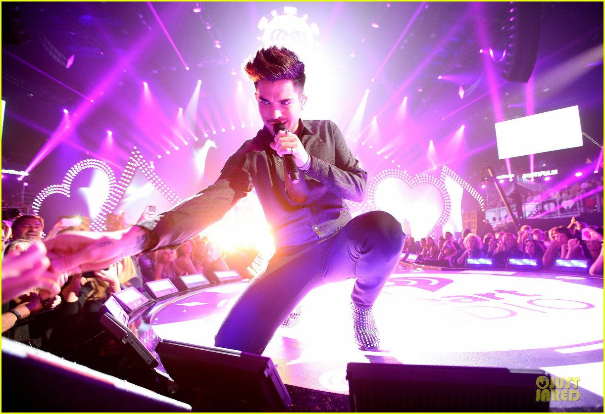 adam lambert iheartradio music festival with queen 252956598