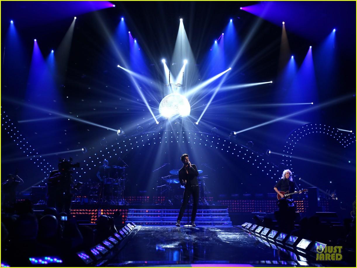 adam lambert iheartradio music festival with queen 262956599