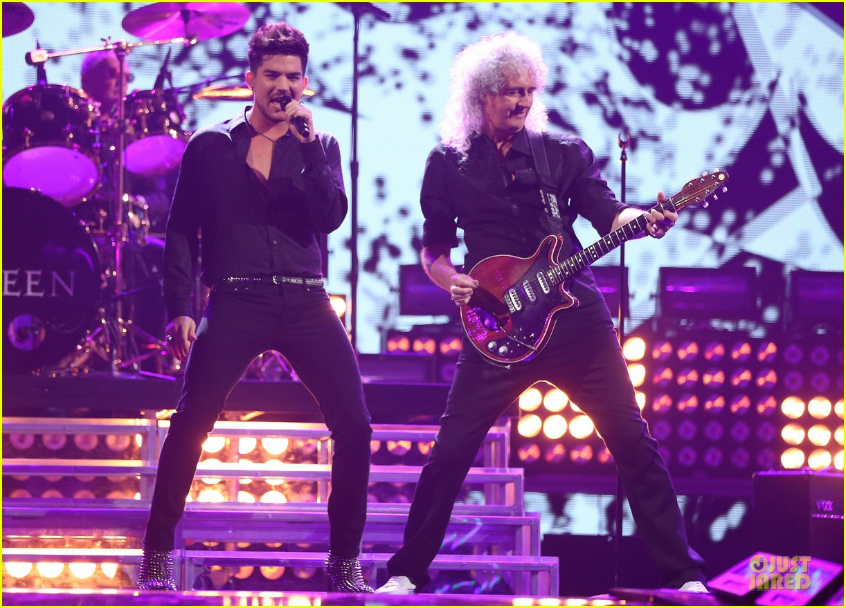 adam lambert iheartradio music festival with queen 28