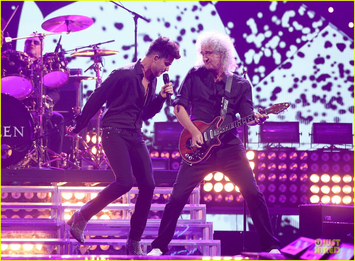 adam lambert iheartradio music festival with queen 292956602