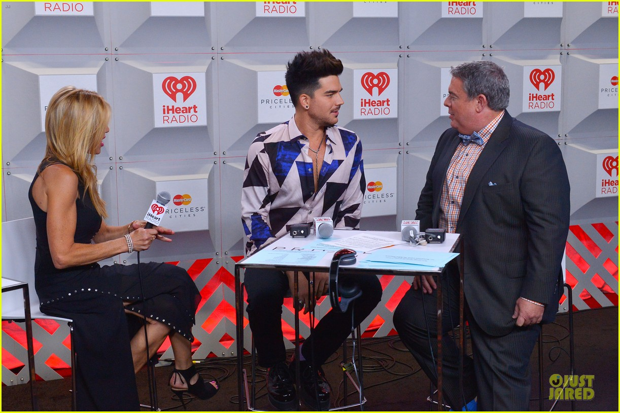 adam lambert iheartradio music festival with queen 302956603