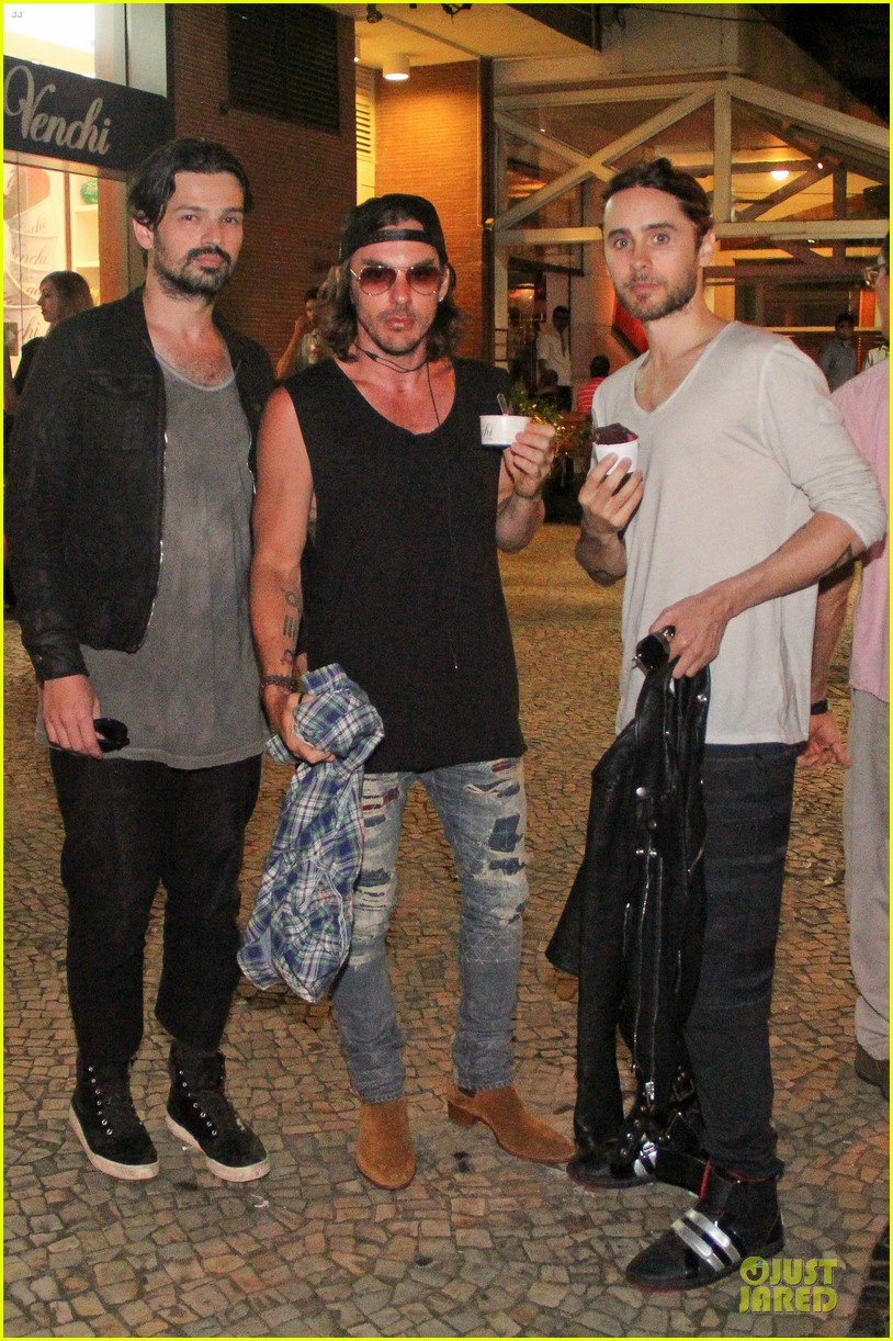 jared leto rock in rio performance with thirty seconds to mars 012953715