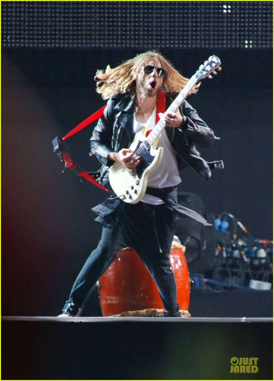 jared leto rock in rio performance with thirty seconds to mars 072953721