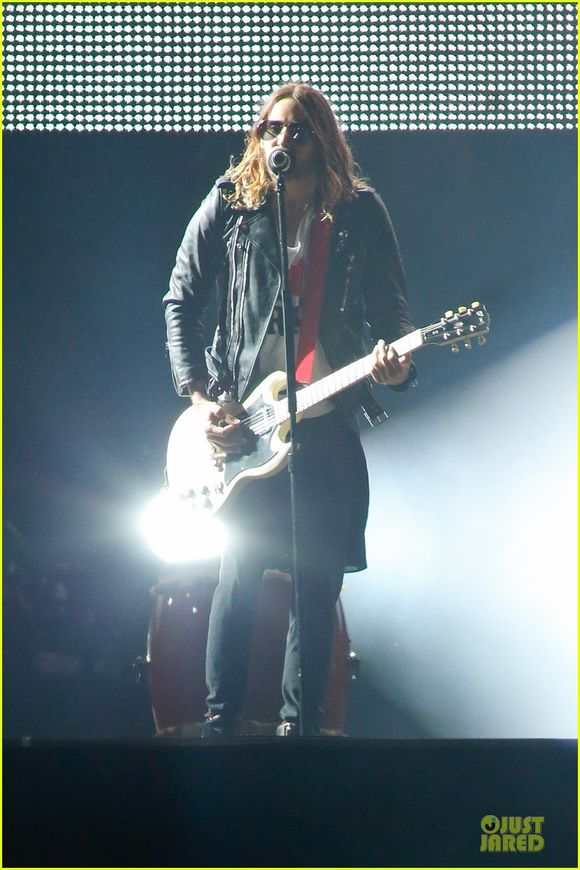 jared leto rock in rio performance with thirty seconds to mars 112953725