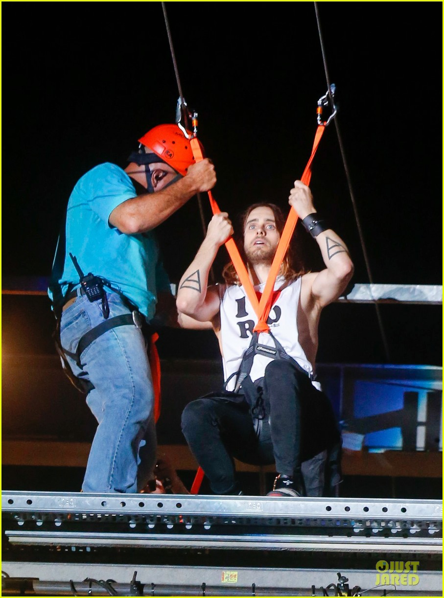 jared leto rock in rio performance with thirty seconds to mars 17