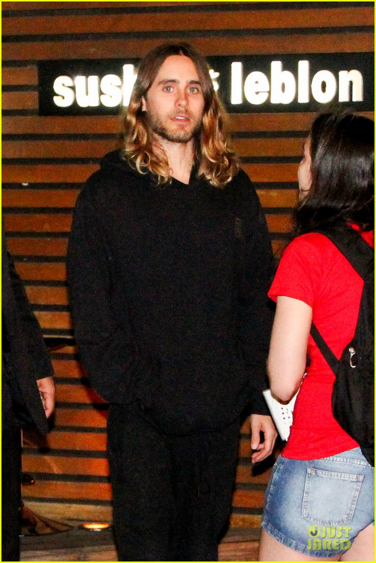 jared leto stops for fan photo op at sushi leblon restaurant 022951595