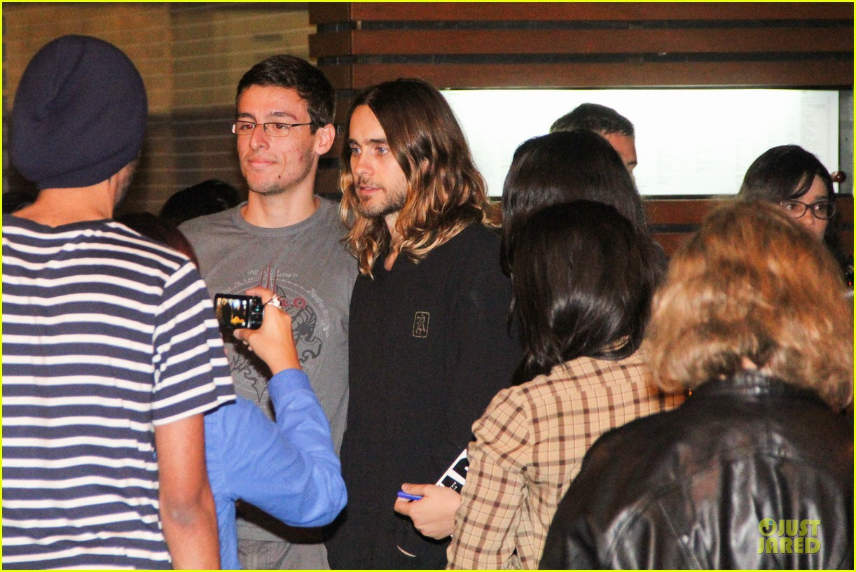 jared leto stops for fan photo op at sushi leblon restaurant 152951608