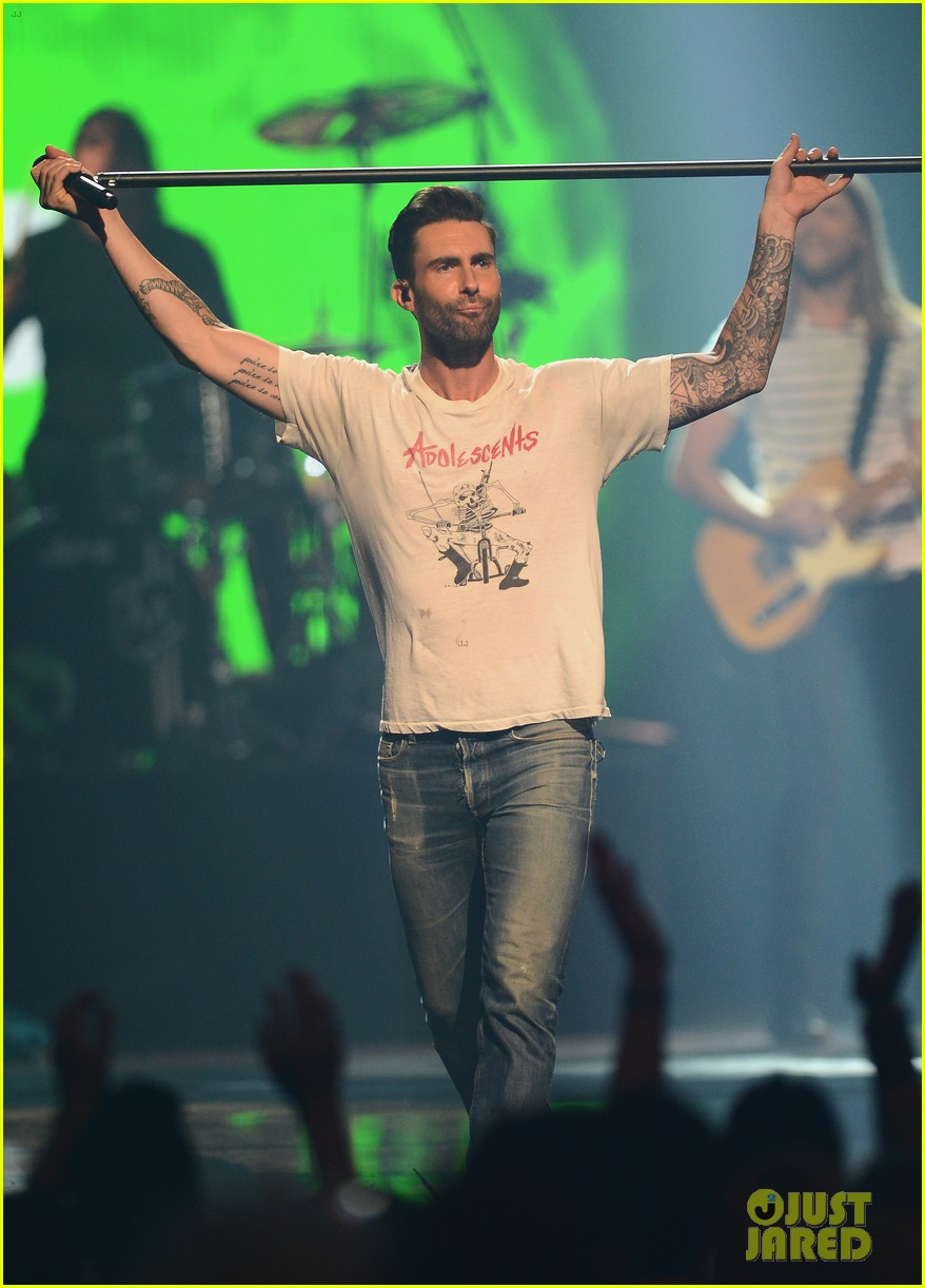 adam levine jared leto iheartradio performances 122957310