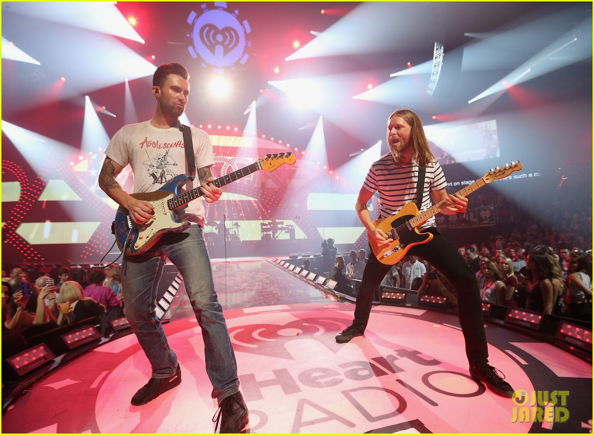 adam levine jared leto iheartradio performances 192957317