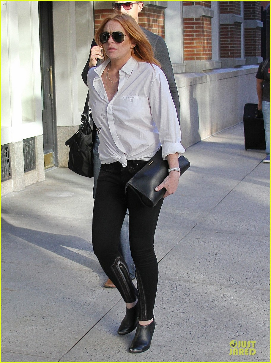lindsay lohan cant handle bow tie designer moziah bridges 052945797