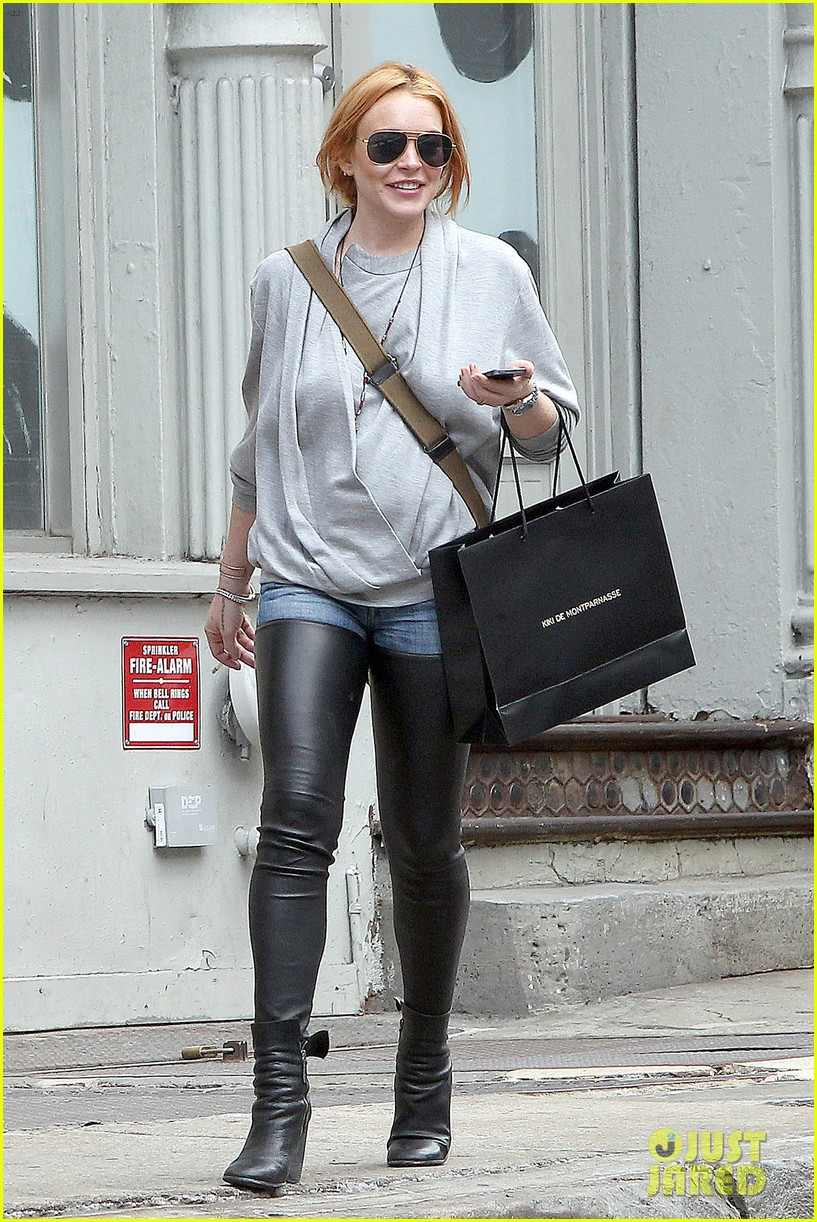 lindsay lohan steps out after mom dina birthday party 072953629