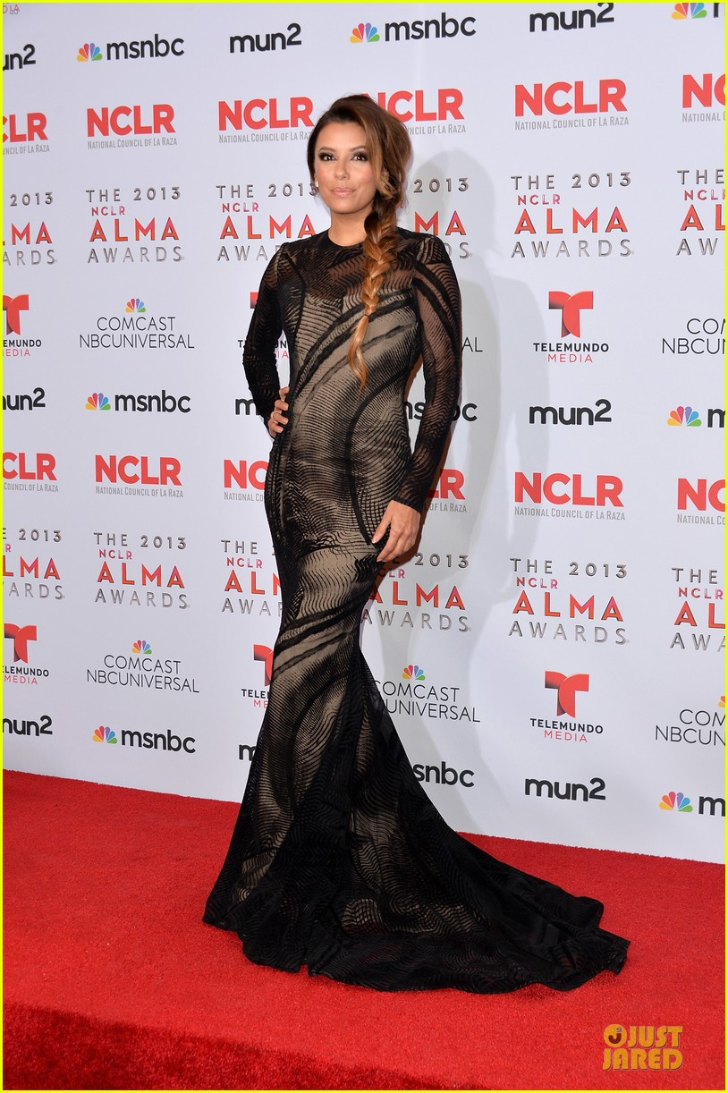 eva longoria multiple dresses as nclr alma awards host 122961516