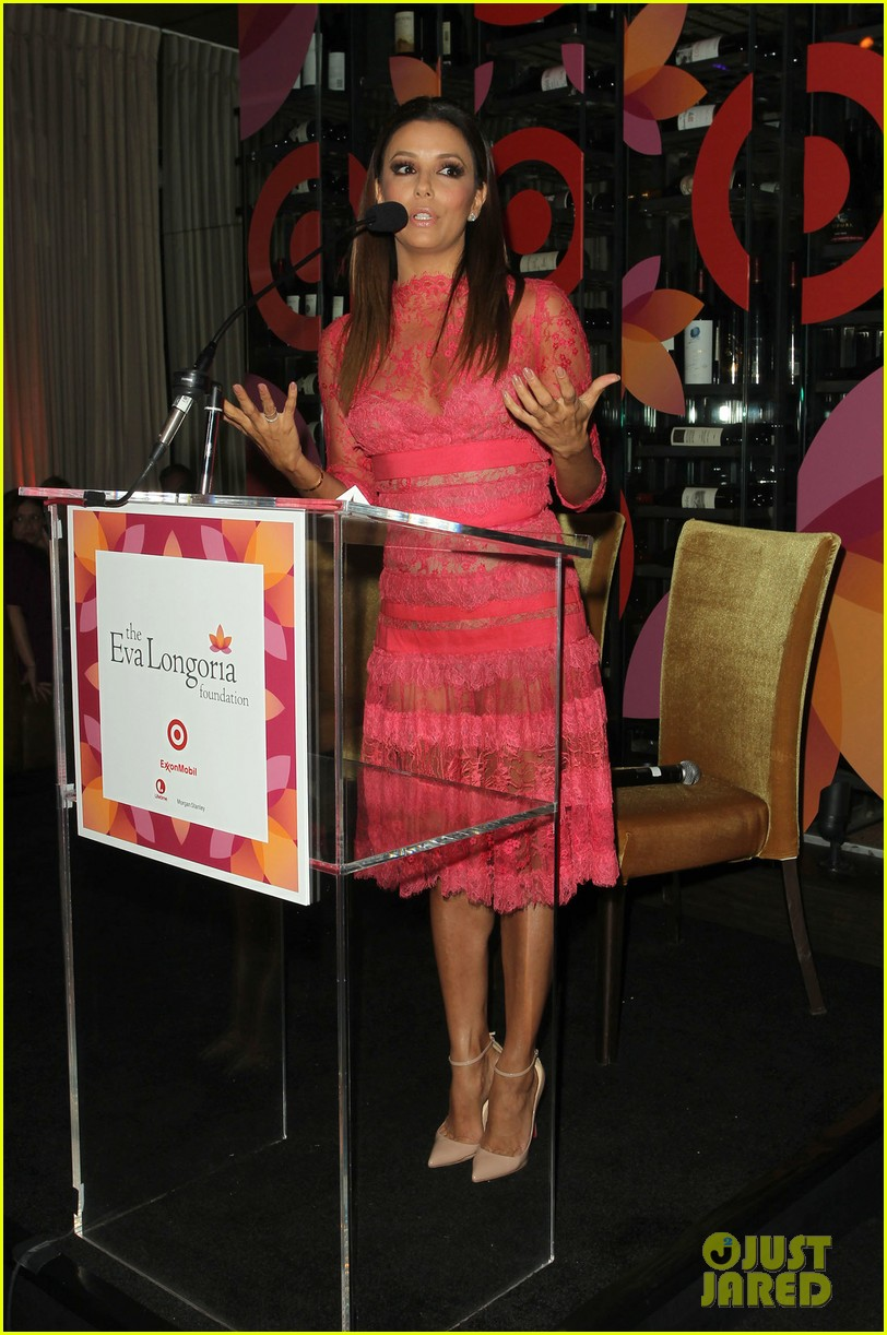 eva longoria attends her foundations dinner with friends 182962293