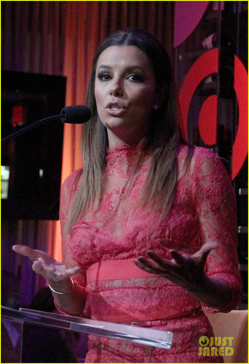 eva longoria attends her foundations dinner with friends 202962295