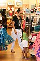 jennifer lopez shops with emme before idol auditions begin 18