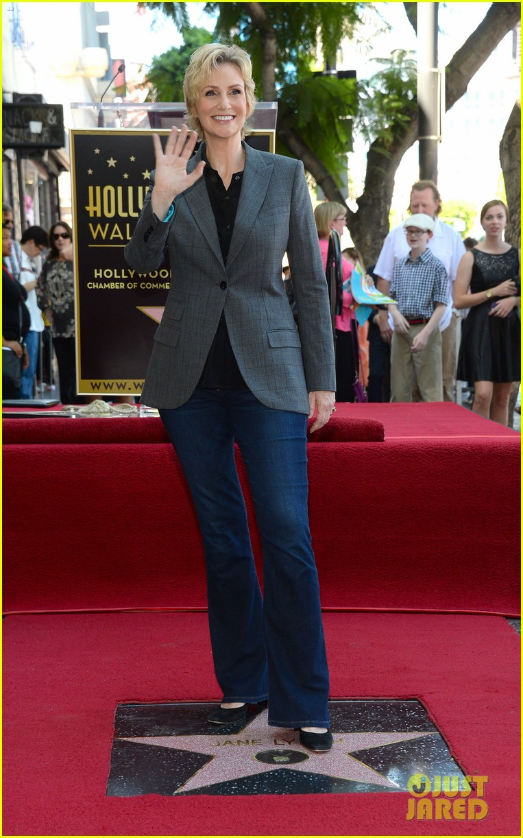 jane lynch receives star on hollywood walk of fame 012943835