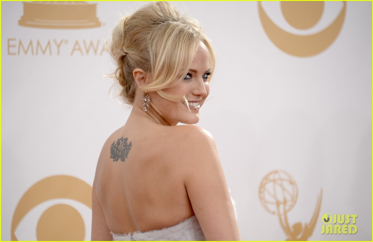 malin akerman emmys 2013 red carpet 02