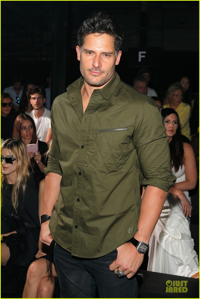 joe manganiello y 3 fashion show 062947814