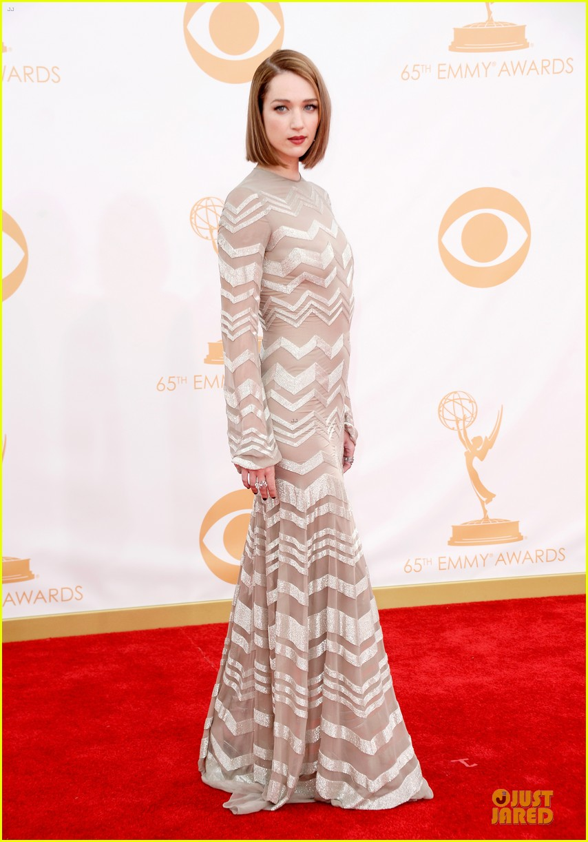 kate mara kristen connolly emmys 2013 red carpet 042958203