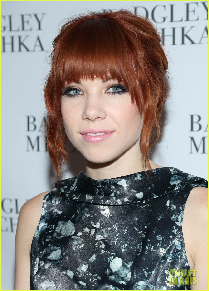 kate mara carly rae jepsen badgley mischka store opening 072950037