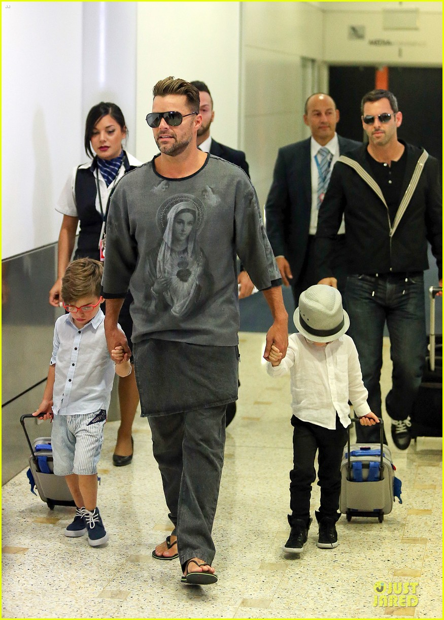 ricky martin talks trilingual children on ellen watch now 032961412