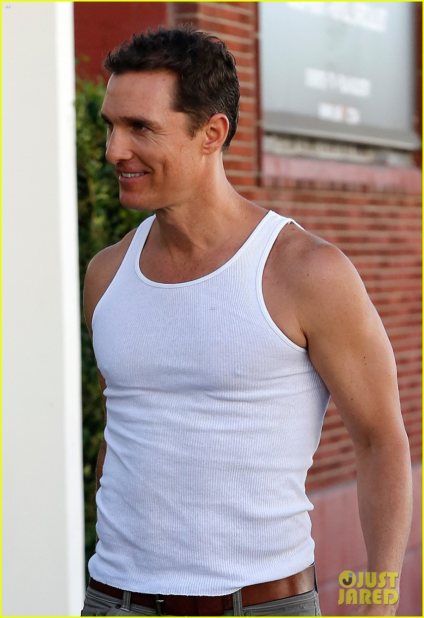 matthew mconaughey bares his guns in tank top 022961832