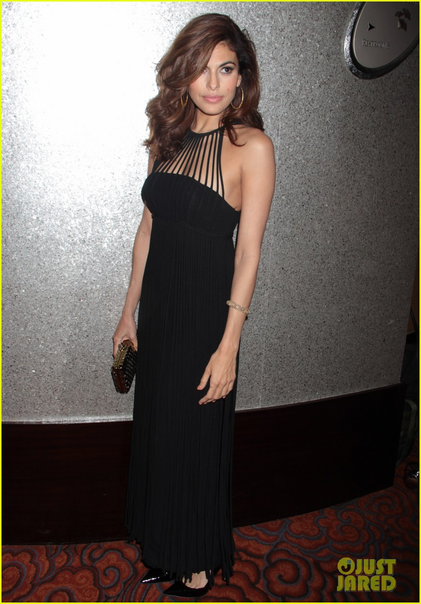eva mendes icons of style awards in new york city 012955752