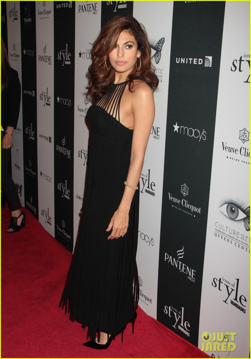 eva mendes icons of style awards in new york city 052955756
