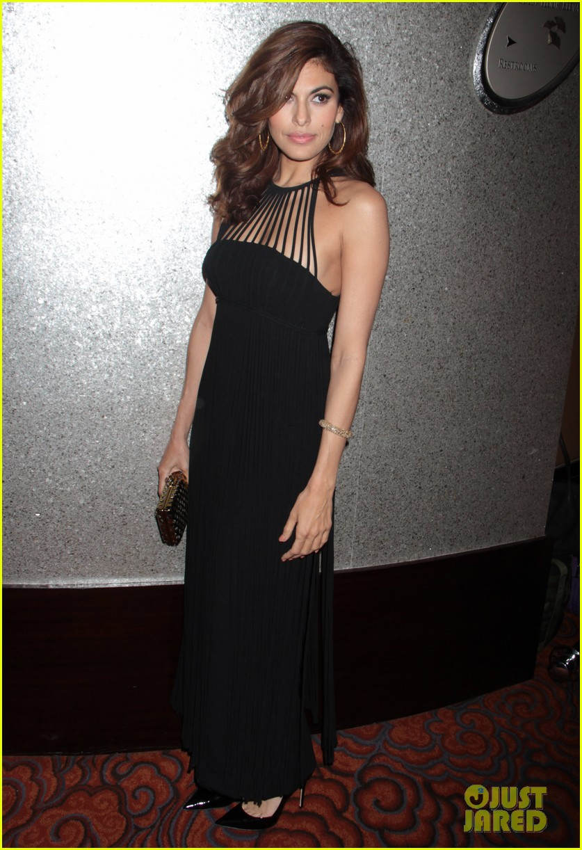 eva mendes icons of style awards in new york city 072955758