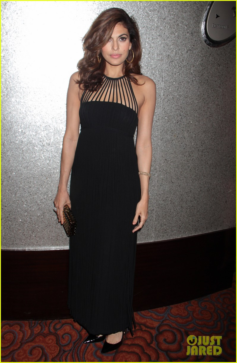 eva mendes icons of style awards in new york city 08