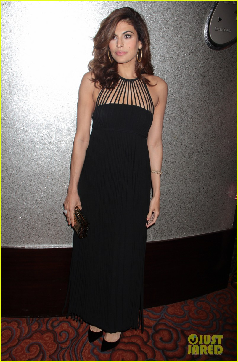 eva mendes icons of style awards in new york city 112955762