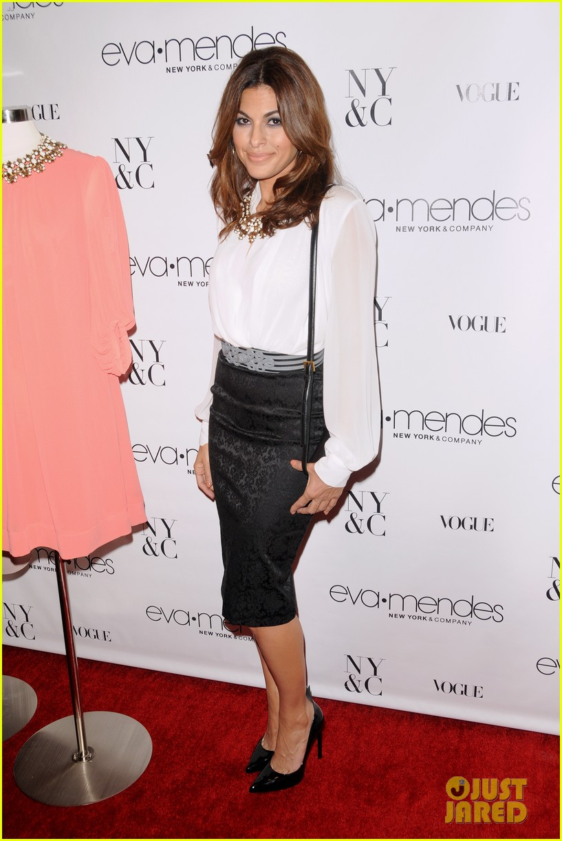 eva mendes launches her new york company clothing line 092954835