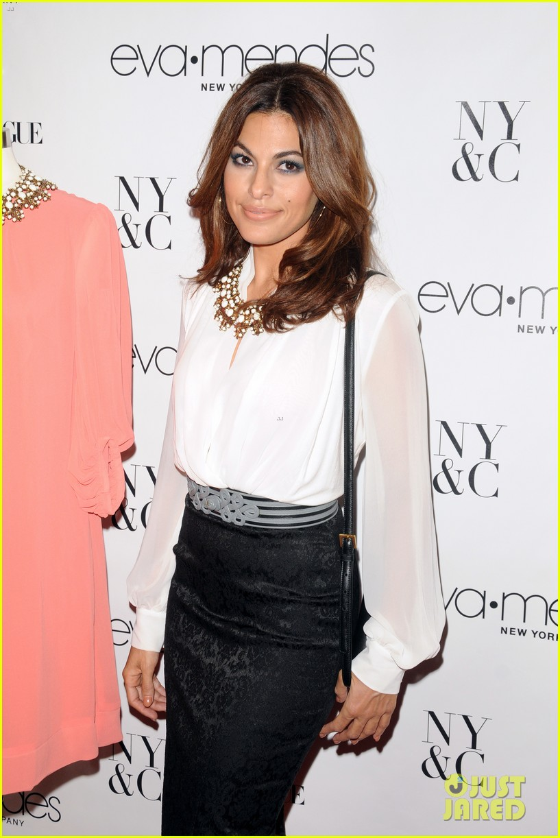 eva mendes launches her new york company clothing line 112954837
