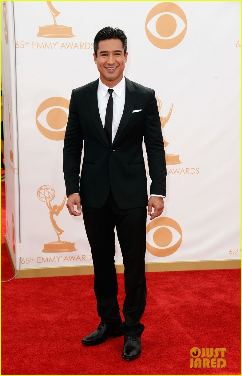 maria menounos mario lopez emmys 2013 red carpet 052957856