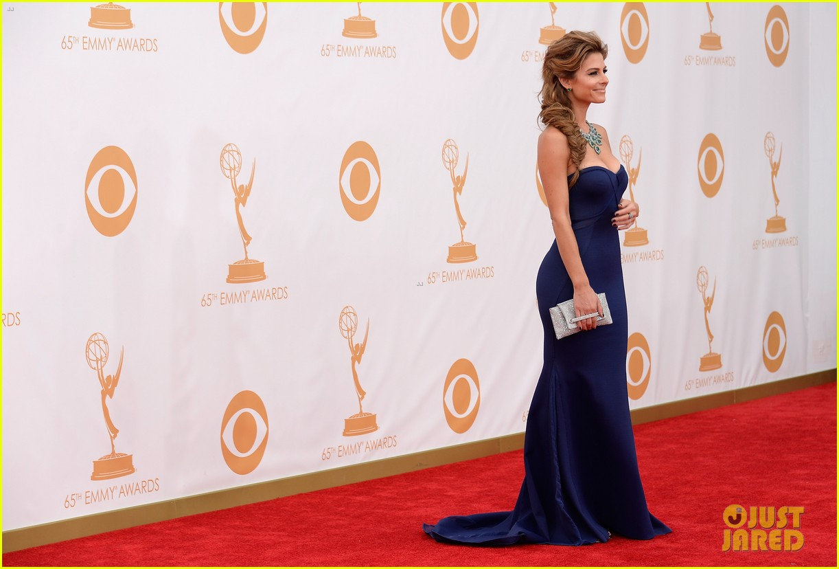 maria menounos mario lopez emmys 2013 red carpet 062957857