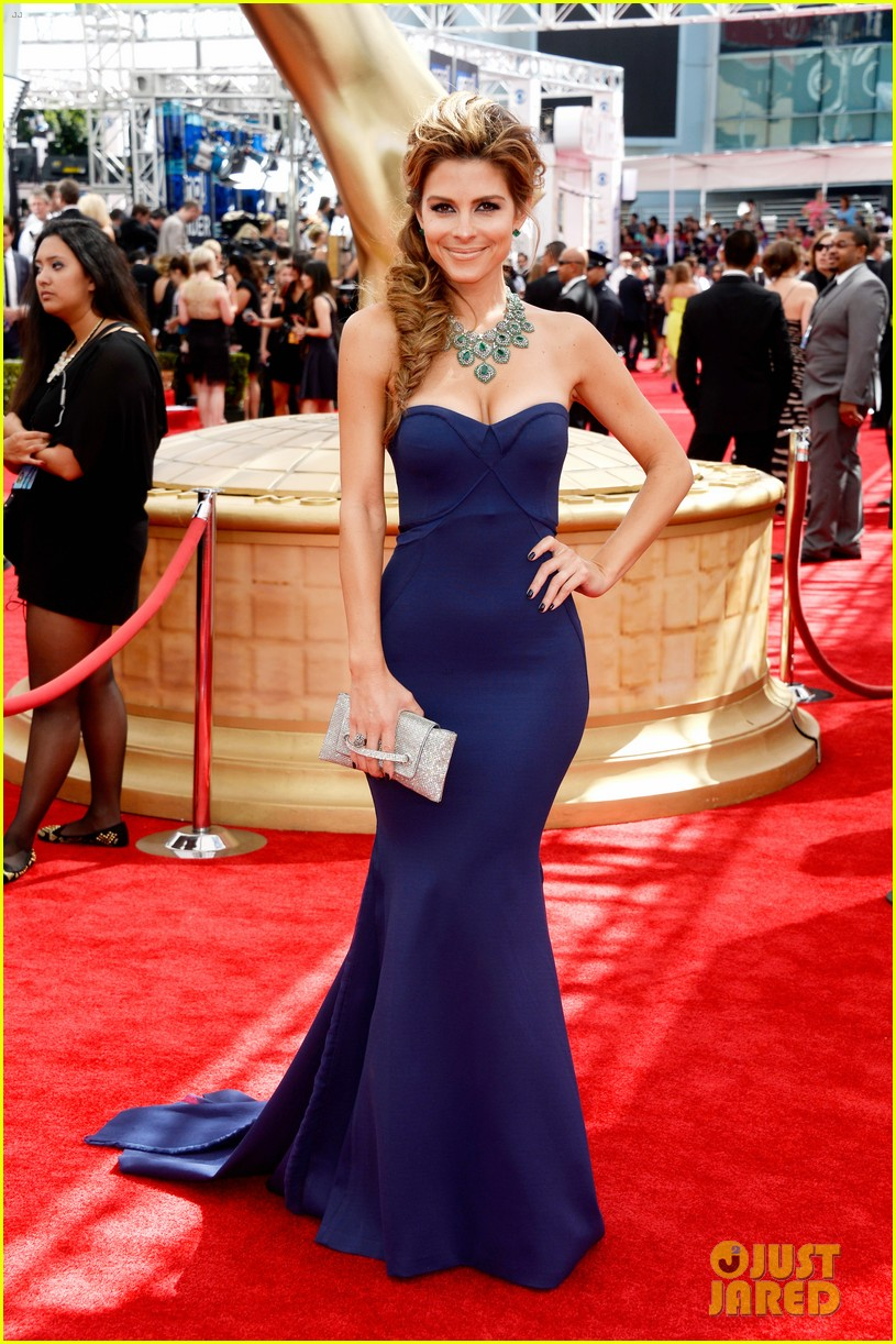 maria menounos mario lopez emmys 2013 red carpet 082957859