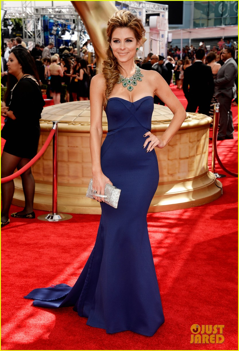 maria menounos mario lopez emmys 2013 red carpet 09