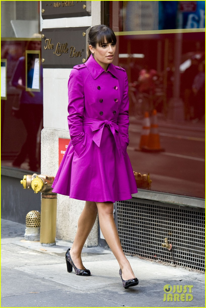 lea michele films glee in new york city first photos 07