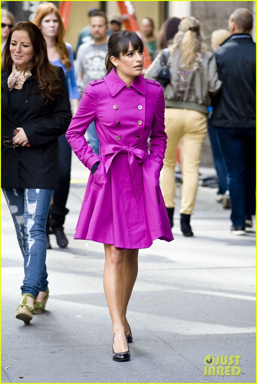 lea michele films glee in new york city first photos 122948227