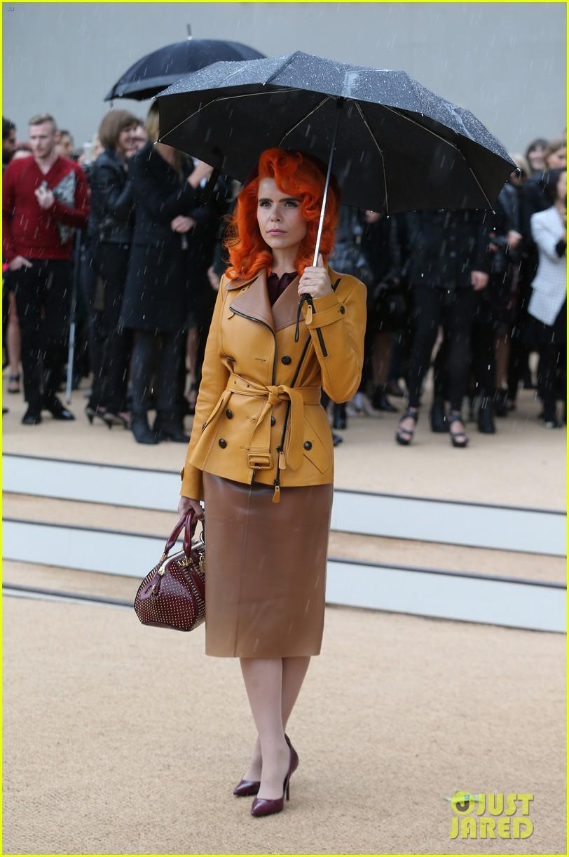 sienna miller naomie harris burberry fashion show at lfw 072953458
