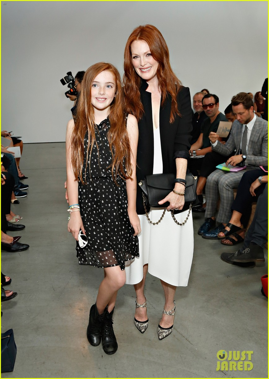 julianne moore allison williams reed krakoff fashion show 012950542